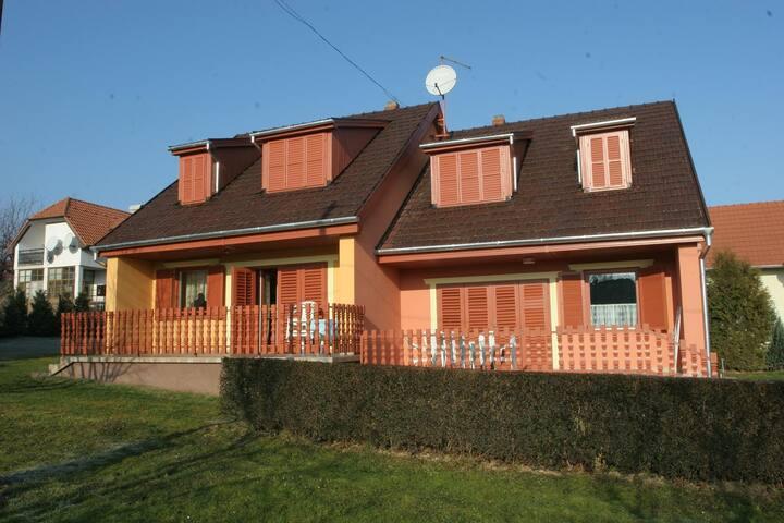 Ferien haus 200m fern vom Bad - Zalakaros - House