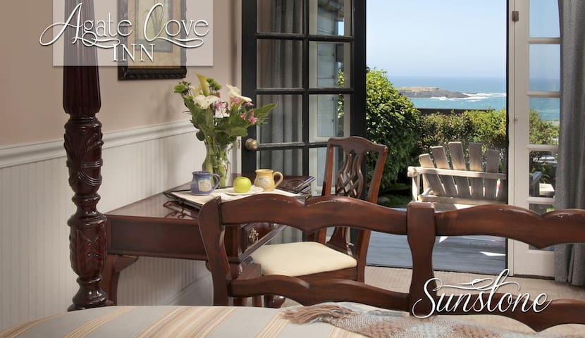Sunstone -Queen Suite with Sea View