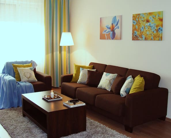 APARTHOTEL CREMA RESIDENCE II 4-5 ADULTS - Alba Iulia - Apartment