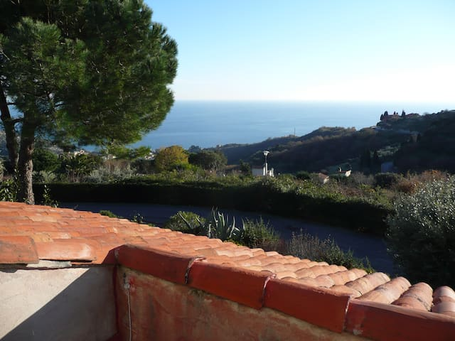 Two-room flat calm sea view - Finale Ligure - Apartment