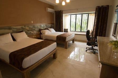 Shalom House B&B - Room 2 - Bed & Breakfast