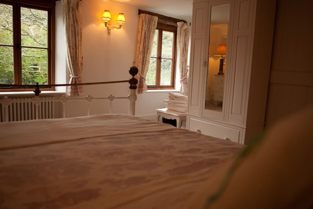 Bedroom 1 with king size bed. comfortable and quality