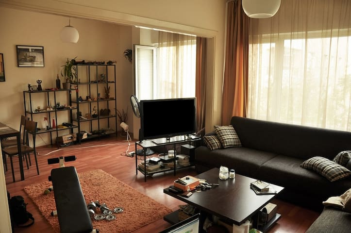 Really nice room with friendship - İstanbul - House