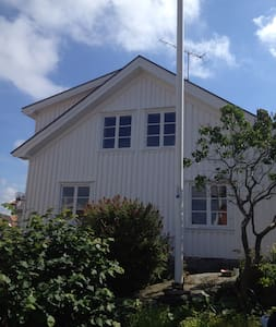 Astonishing house 40m from Sea - Lysekil S