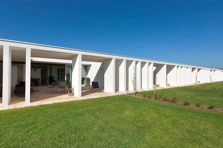Modern award winning villa - Vau