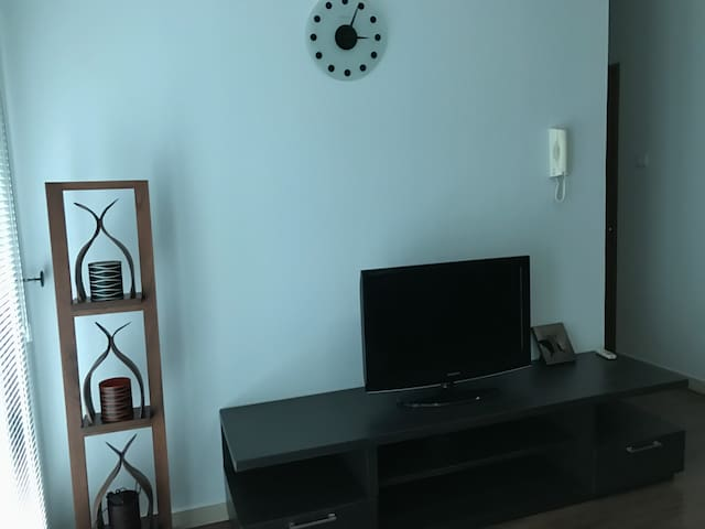 1BR modern apartment  GREAT VALUE south Jakarta