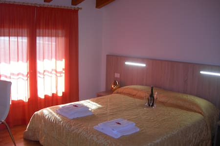CAMERA SINGOLA - Pordenone - Bed & Breakfast