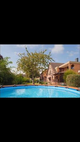 Uriges Gästehaus auf dem Bauernhof3 - Emmerthal - Hus