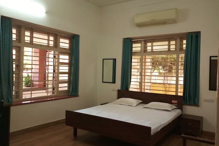 Heritage Villa/Privacy&Private Entry /lCityCentre/