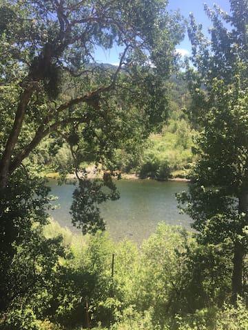 A River Runs Through It... Fishing Cabin