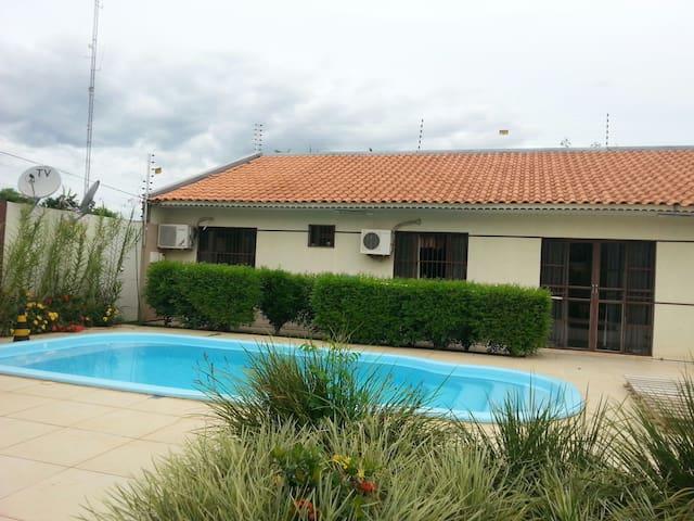 Casa confortável e com segurança. - Foz do Iguaçu - Huis