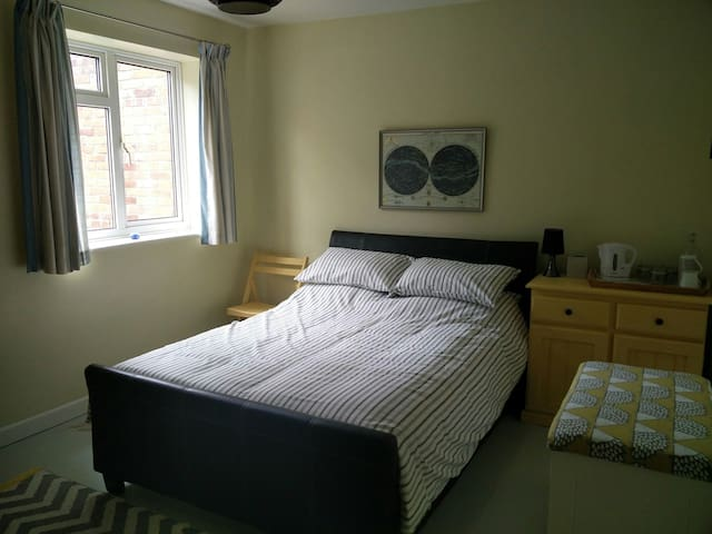 Spacious double room in central Southampton - Southampton - Talo