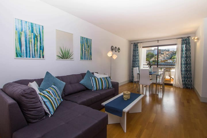 Apart. 200m from the beach +POOL +garage +WIFI