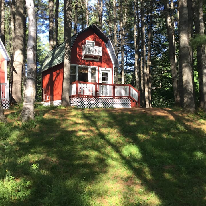 Mt. Kineo Cottage at Pine grove