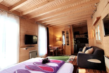 Montezila Log Cabin - Private Parking & Terrace