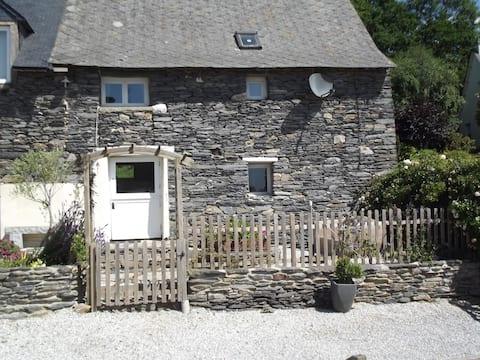 Family Friendly Cottage/Gite - Caurel