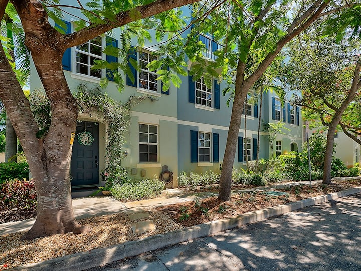 Stunning Townhome Downtown West Palm Beach