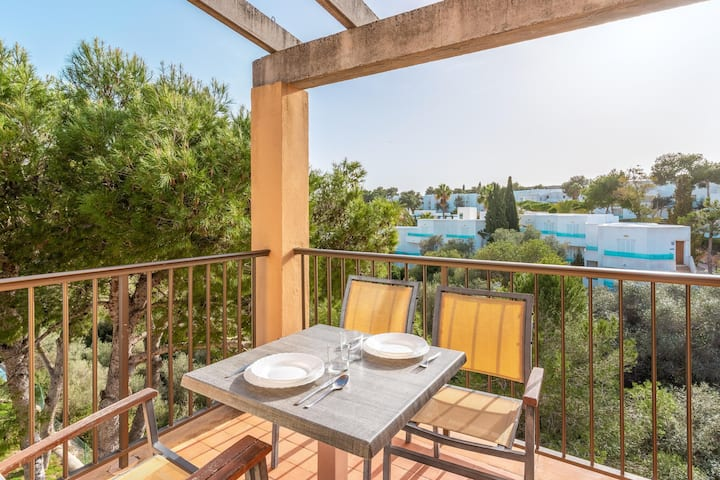 Holiday Apartment 'Ferrera Luxe Apartamento 816' close to the Beach with Pool, Wi-Fi, A/C, Balcony, Terrace & Garden; Street Parking Available
