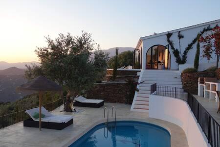 Ibiza stijl villa met zicht op zee - Malaga