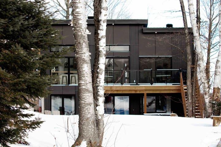 Cottage haut de gamme LOMA-sur-le-lac ❤️ SPA-FOYER