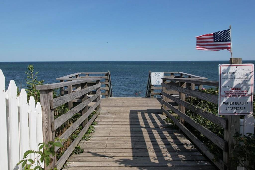 Access to private beach