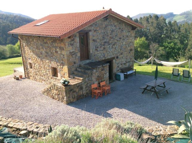 Cabaña rural - La Cavada - Cabane