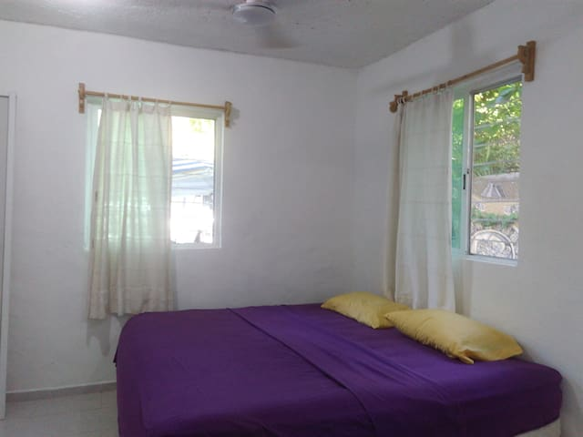 2 blocks from beach, Main square 2 beds