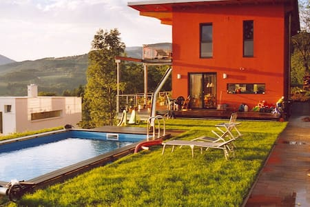 HOUSE with POOL and view over Graz