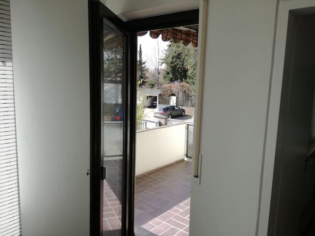 Ruhige Lage am Fuss des Burgbergs - Erlangen - Appartement