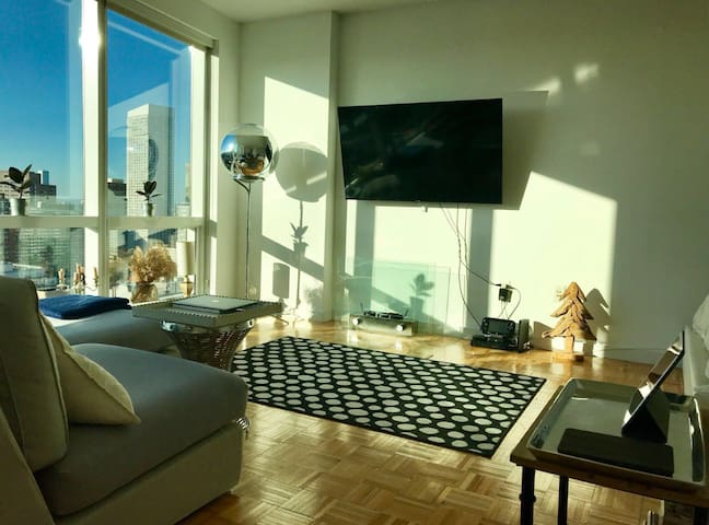 Luxury Studio w beautiful view 10' from Manhattan
