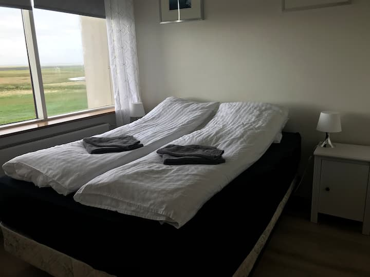 Cozy double bed room - Rauðafell 1 - Room nr. 1