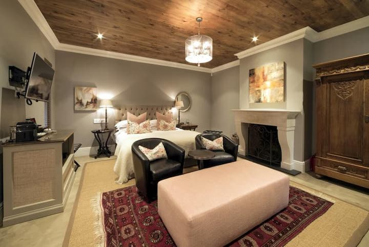 Avondrood Guesthouse - Luxury Suite