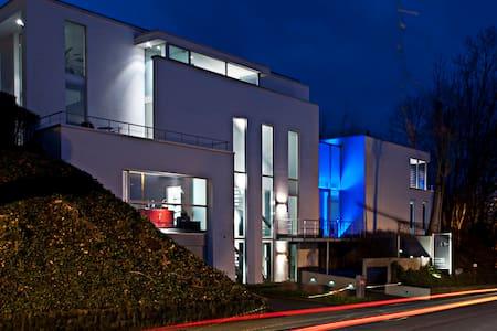 Luxury accomodation in design house - Meise - Villa