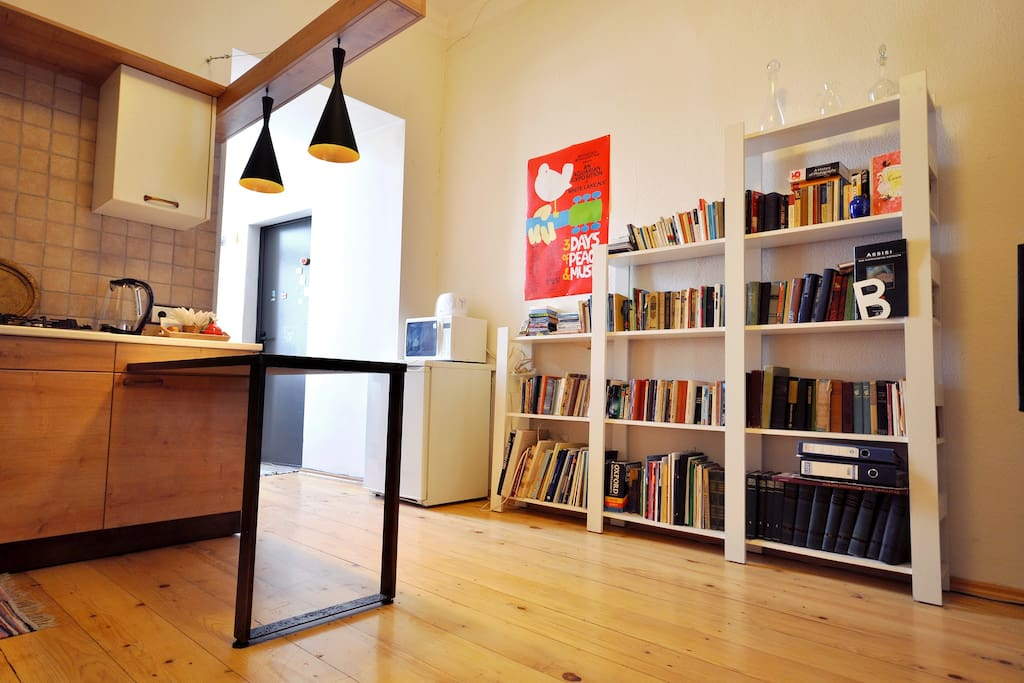 Living room with cable TV and books