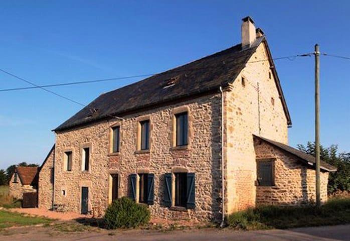 boerderij in de creuse, het plaatsje Feyneraud - Chambon-sur-Voueize - Outros