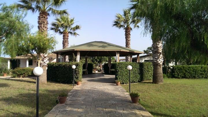 Villa Ulisse a mt. 50 dal mare con depandance