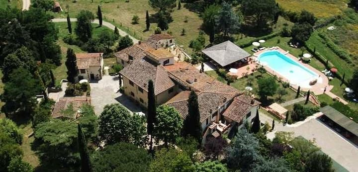 Villa Rigacci boutique hotel in Valdarno area