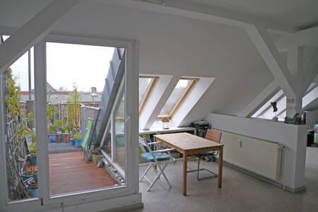Light-Flooded Loft + Roof Terrace - Berlin