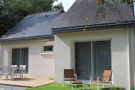 La Villa Marelie - Le Tour-du-Parc - Dům