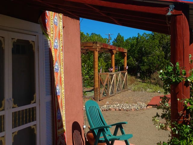 Artista Del Sol Small House at Sunny Mellow Villa - Tijeras