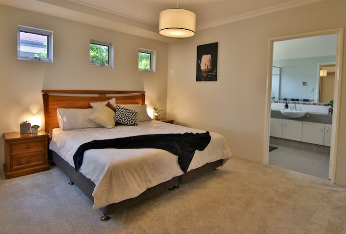 King Size bed and king size space. Secluded luxury home away from home.