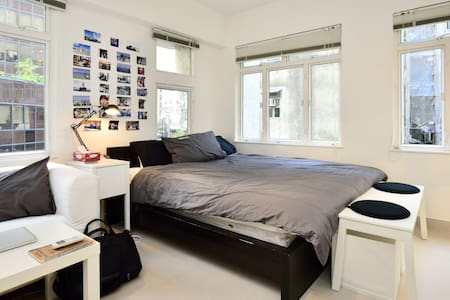 Bright & Renovated studio - SOHO