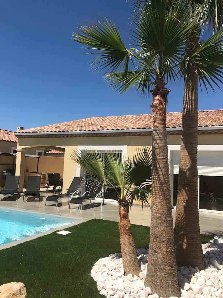 Villa avec piscine privée chauffée proche Pézenas