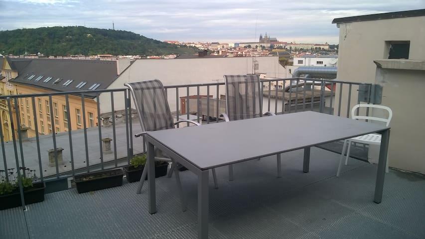 Krásný rozhled z terasy - Prag - Daire