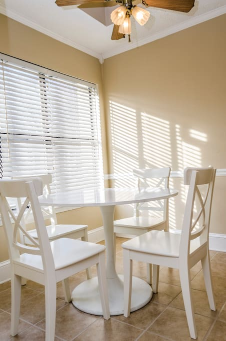 Breakfast table with 4 seats
