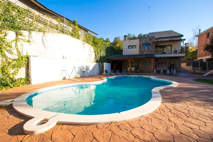 Pleasant villa, 30km from BCN! - Matadepera - Ev