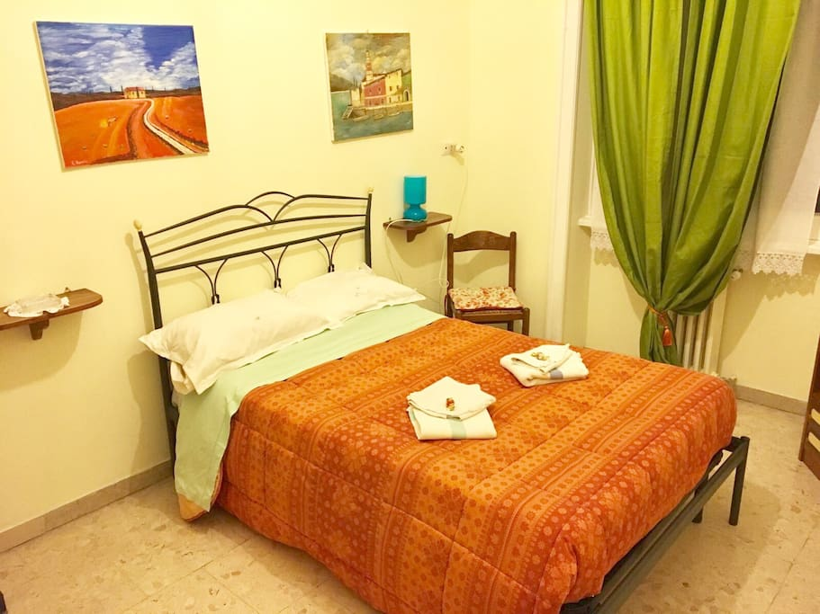 Zaffiro room at vatican museums apartments for rent in for 11 x 13 room