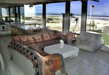 MAGNIFICENT OCEAN FRONT PROPERTY - Ensenada