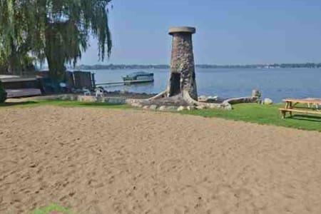Apartment on a lake - Novi