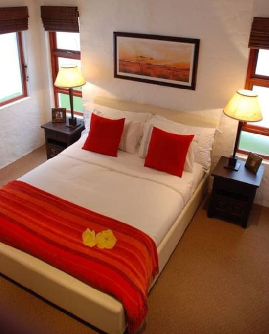 Main Bedroom with either King Size bed or twin beds